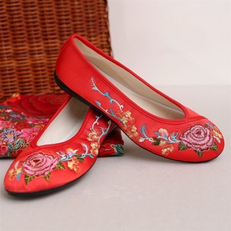 Chinese Traditional Flower Embroidery Wedding Flats